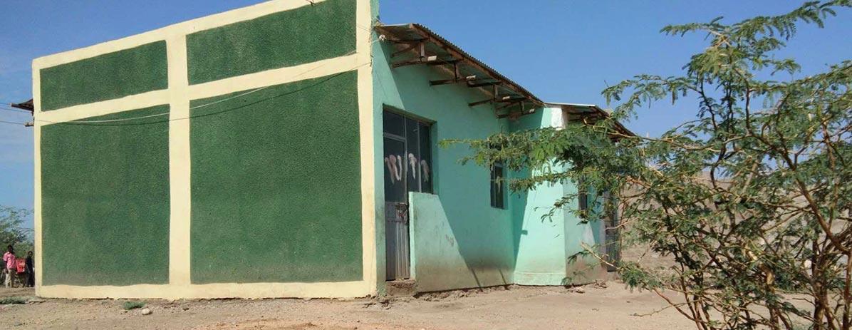 خانه ای برای مردم محلی بسازید