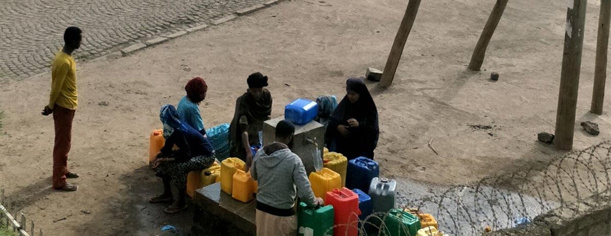 برای تأمین آب برای روستاییان خوب بسازید